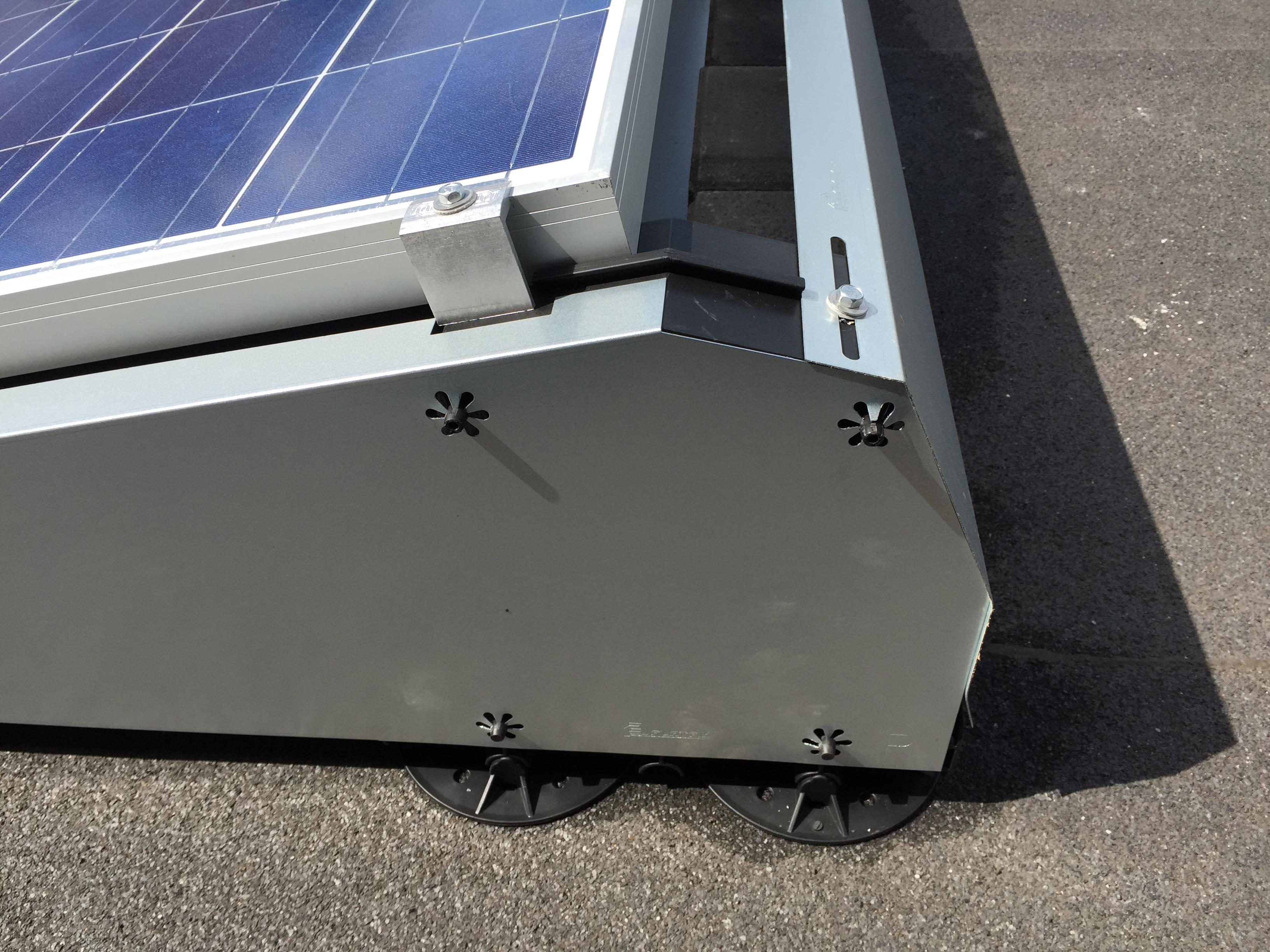 Advisol zonnepanelen limburg plat dak zonnepanelen flatfix
